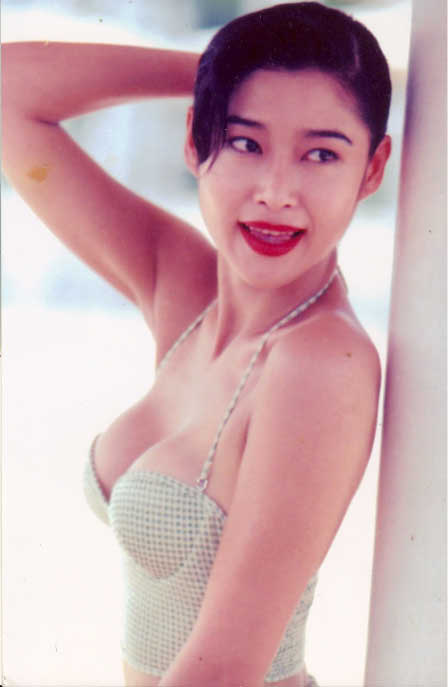 amy yip foto hot poses